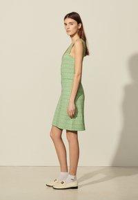 sandro - Day dress - vert - 1