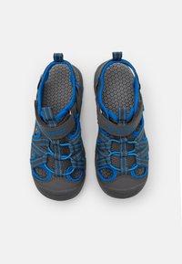 KangaROOS - K-ROAM - Walking sandals - steel grey/brilliant blue - 3