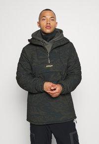 Oakley - CRUISER JACKET - Snowboard jacket - green - 0