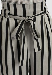 khujo - EIVOLA - Trousers - black grey - 5