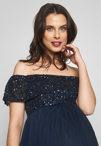 Maya Deluxe Maternity - OFF SHOULDER DELICATE SEQUIN DRESS - Vestido de fiesta - navy - 4
