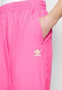 adidas Originals - SWAROVSKI TRACK PANT - Träningsbyxor - solar pink - 5