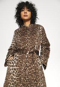 Cras - OLLIE - Classic coat - brown - 4