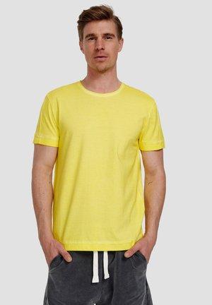 Ordinary Truffle - Basic T-shirt - illuminatting yellow
