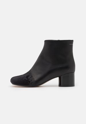 STIVALETTO PIEDE TACCO BASSO - Classic ankle boots - black