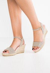 Pretty Ballerinas - Platform sandals - galassia plata - 0