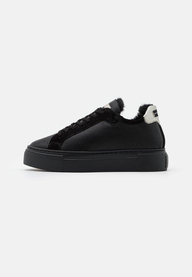 BERN - Sneaker low - black