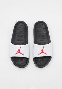 Jordan - JORDAN BREAK SLIDE - Mules - black/university red/white - 3