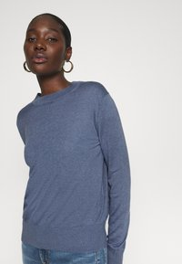 Banana Republic - EASY CREW SOLIDS - Jumper - light blue - 3