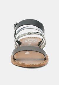 Les Bagatelles - YERBAL - Sandals - black - 3