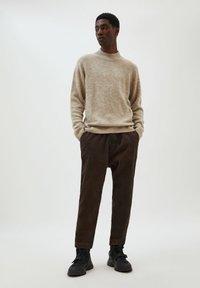 PULL&BEAR - Trousers - mottled brown - 1