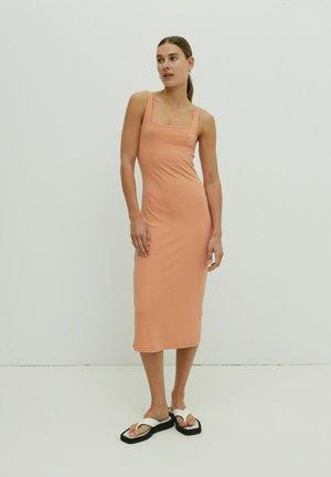 QUINN - Shift dress - orange