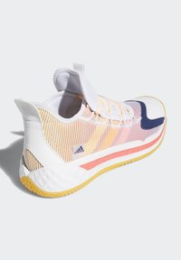 adidas Performance - PRO BOOST LOW SHOES - Zapatillas de baloncesto - white - 2