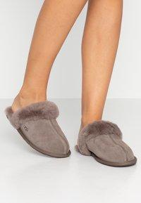 UGG - SCUFFETTE  - Slippers - mole - 0