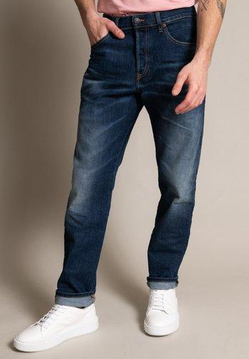 Straight leg jeans - heavy used