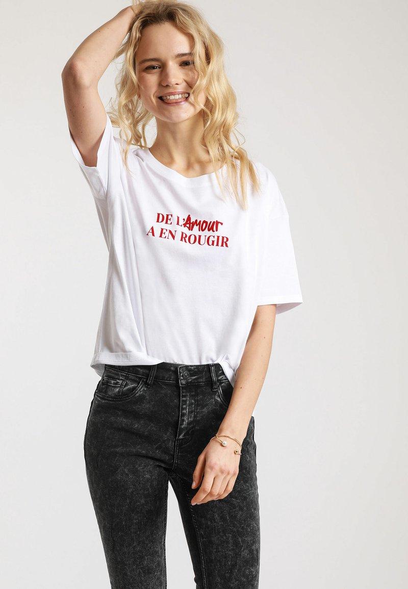 Pimkie - MIT SCHRIFTZUG - T-shirt print - white