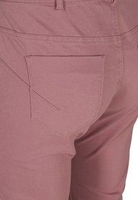 Zizzi - Denim shorts - dark rose - 4