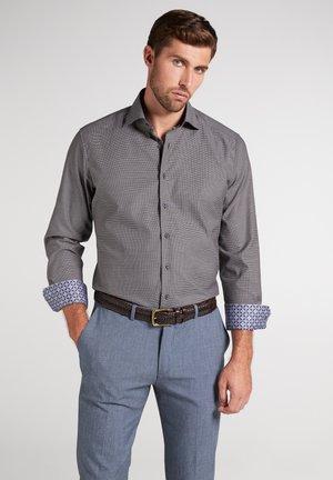 MODERN FIT - Overhemd - braun