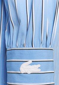 Lacoste LIVE - Shirt dress - nattier blue - 2