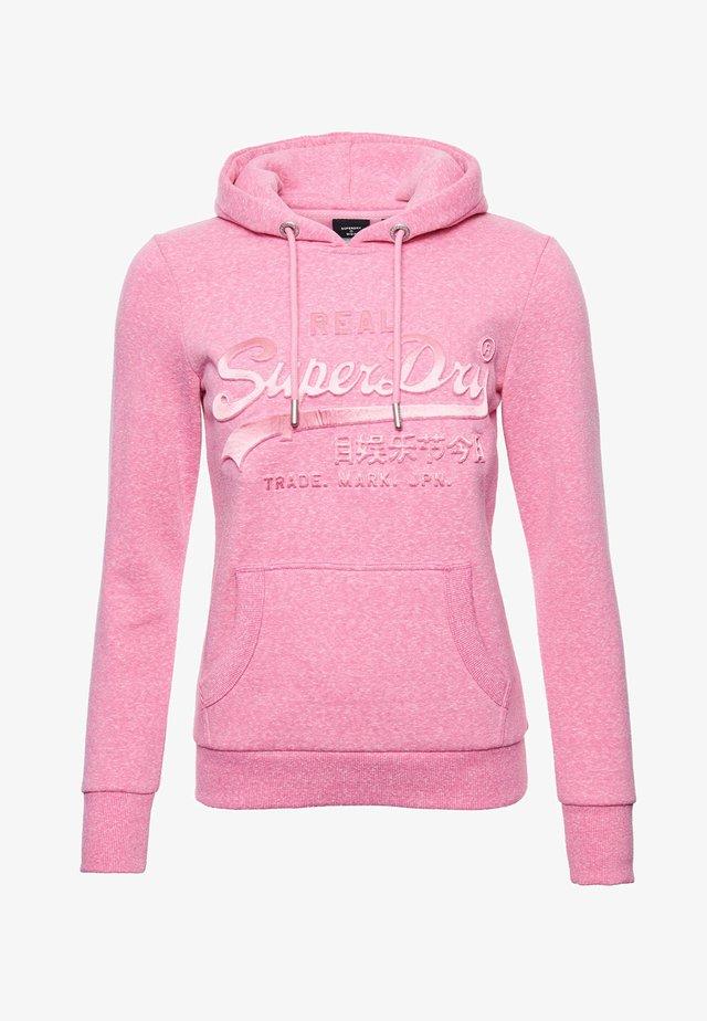VINTAGE LOGO TONAL EMBOSSED - Hoodie - pink snowy