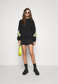 Diesel - F-ANG-E1-SHIRT - Sweatshirt - black/lemon - 1