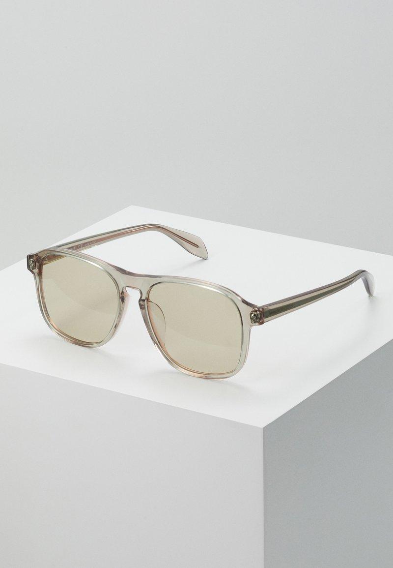Alexander McQueen - SUNGLASS  - Okulary przeciwsłoneczne - beige/brown