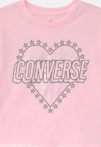 Converse - HEART WORDMARK  - Camiseta estampada - pink foam - 2