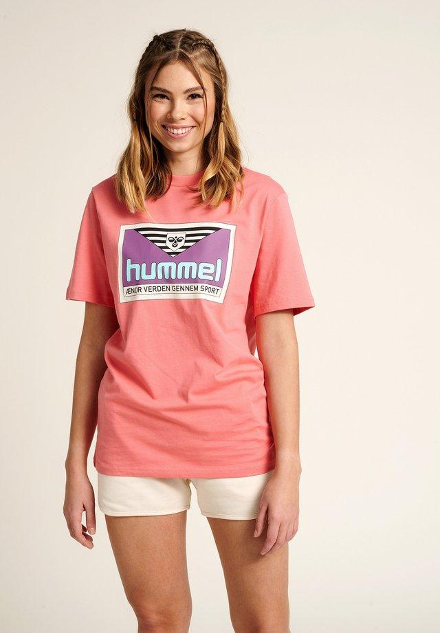 T-shirt z nadrukiem - tea rose