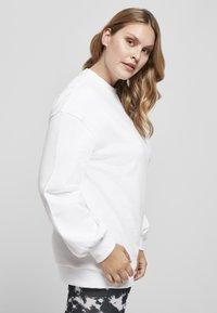 Urban Classics - Sweatshirt - white - 6
