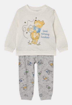 LONG BOY WINNIE - Pyjama set - snow white