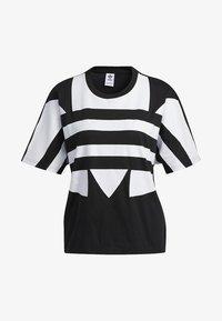 adidas Originals - LARGE LOGO T-SHIRT - Print T-shirt - black - 8