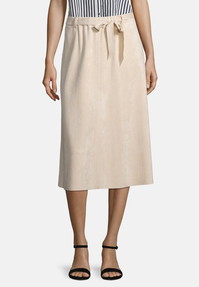 Pleated skirt - whisper cream