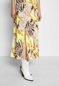 Vero Moda - Maxi dress - overcast/kleo - 3