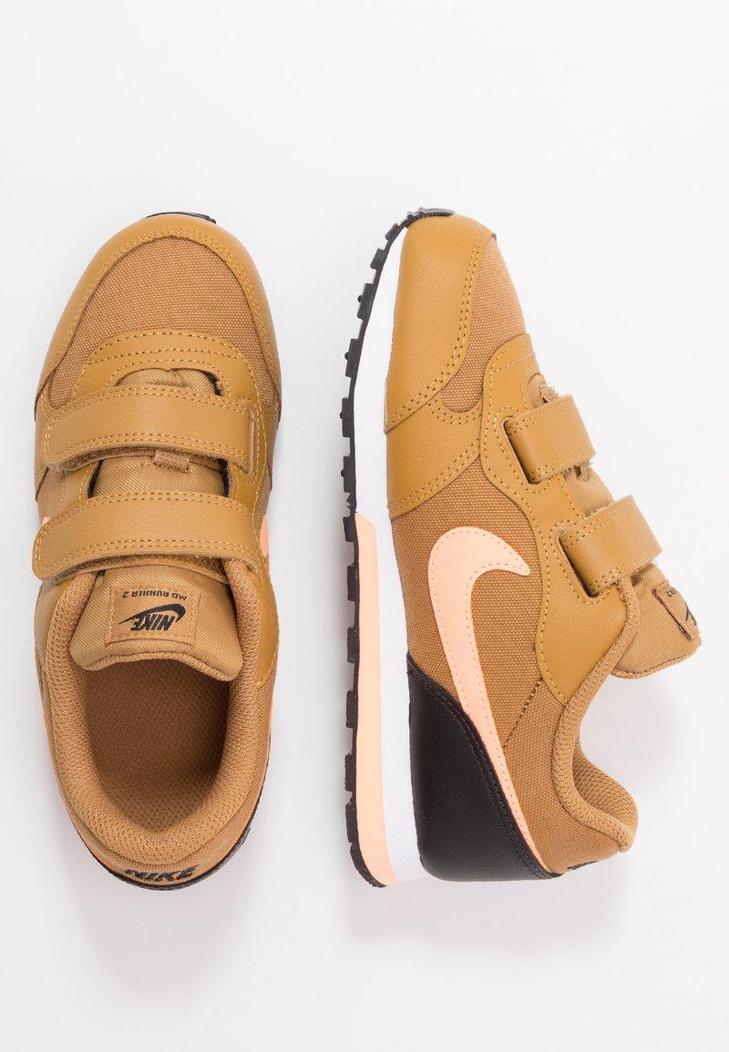 Nike Sportswear - MD RUNNER 2 BPV - Sneakers basse - wheat/orange pulse/black/white