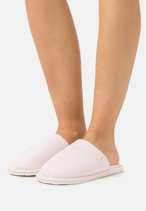 SUMMIT SCUFF - Pantoffels - light pink/cream