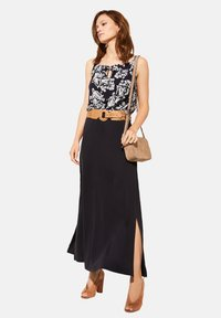 comma - Blouse - navy two tone flowers - 3