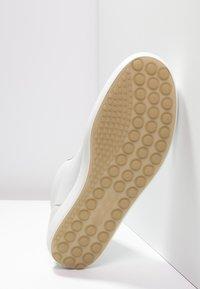 ECCO - SOFT VII - Sneakers hoog - white - 4