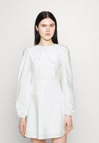 Fashion Union - TWORL DRESS - Robe d'été - white - 0