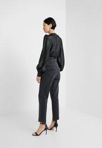Pinko - ARIEL BUSTIER COMFORT - Slim fit jeans - black - 2