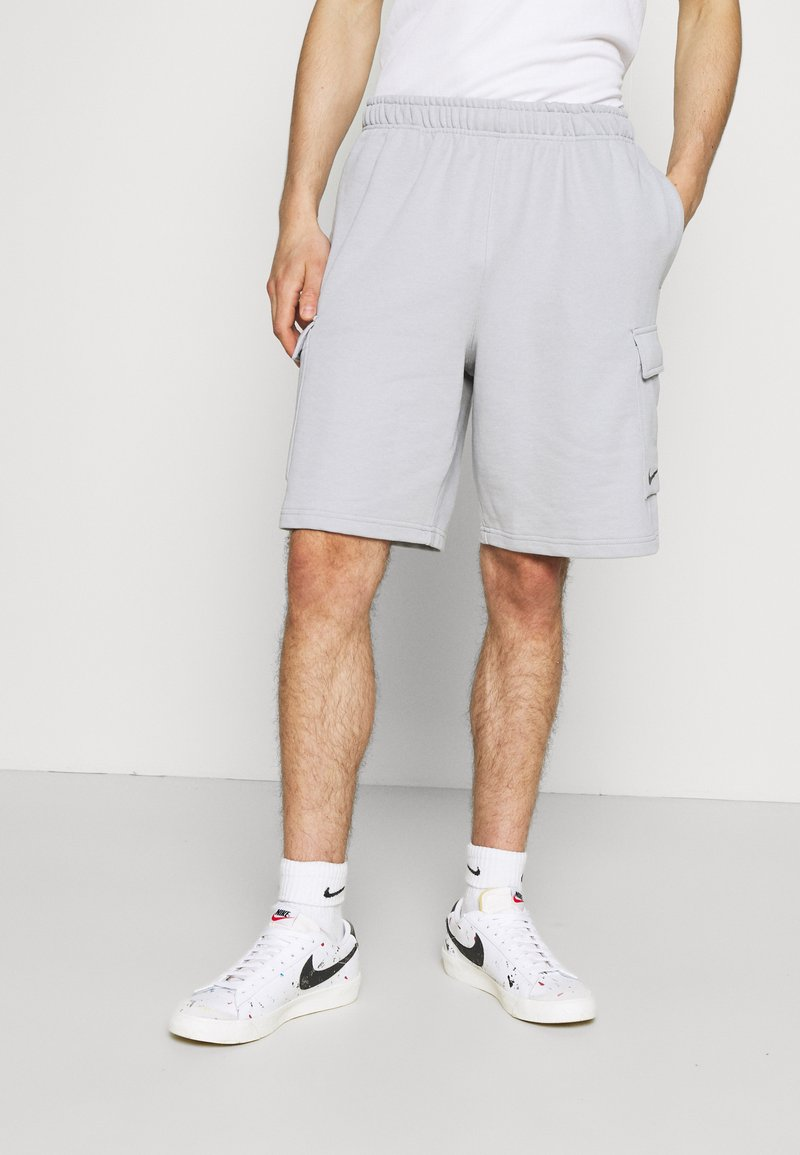 Nike Sportswear - ZIGZAG - Shorts - wolf grey