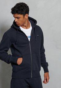 Superdry - Zip-up hoodie - deep navy - 0