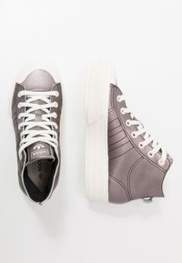 adidas Originals - NIZZA PLATFORM MID - Sneakers alte - core black/offwhite - 5