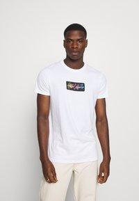 Hollister Co. - SUMMER FADE  - T-shirt med print - white - 0