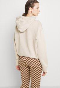 Monki - NOVA - Pantaloni - beige/brown - 3