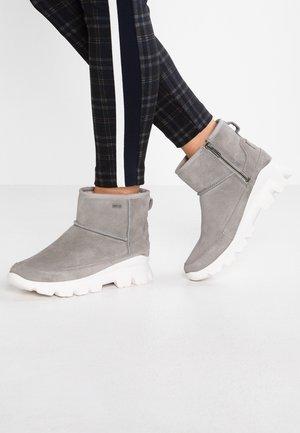 PALOMAR - Winter boots - seal