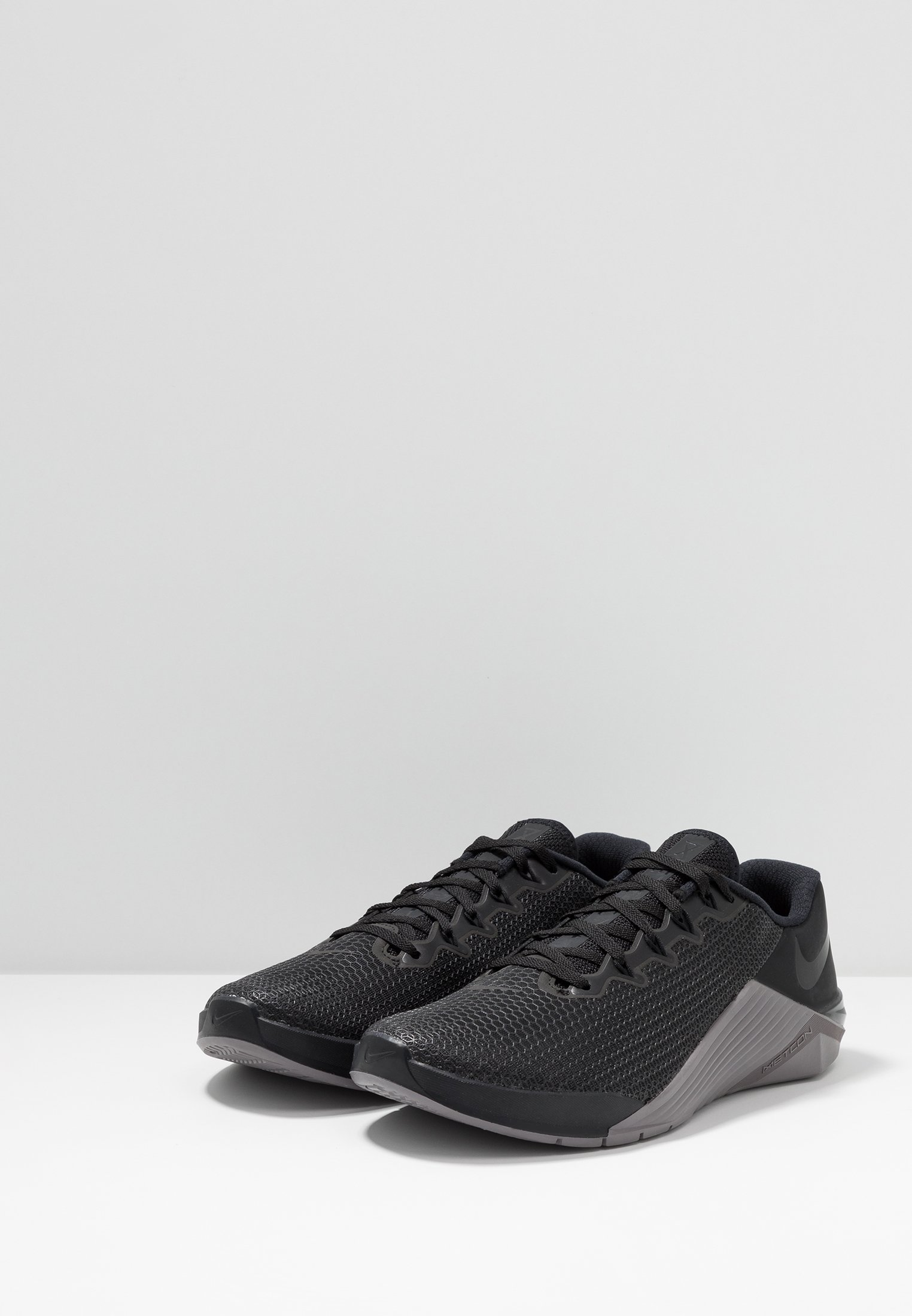 Nike Performance METCON 5 Treningssko blackoil grey