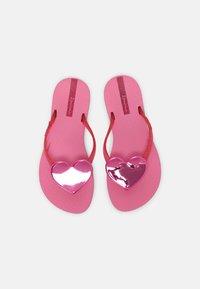 Ipanema - MAXI FASHION KIDS - T-bar sandals - pink/pink glitter - 3