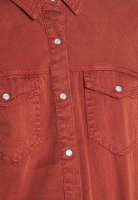 Vila - Button-down blouse - burnt henna - 5