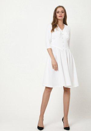 DAISY - Day dress - weiß