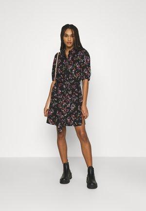 PCLALA SHIRT DRESS - Košilové šaty - black